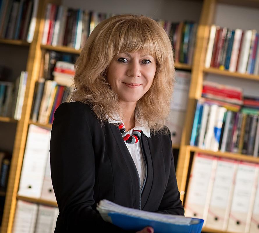 проф. д-р Надя Костова